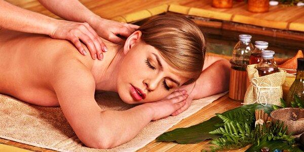 Celotělová masáž Abhyanga a harmonizující olej