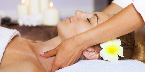 Relaxační havajská masáž Lomi Lomi