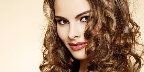 Precizní dámský střih v kadeřnictví Hair & Beauty