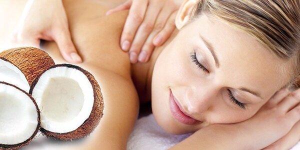 Voňavá masáž kokosovým olejem vč. peelingu