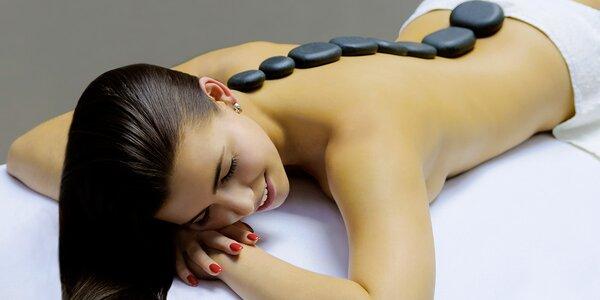 Relaxační masáž zad a šíje lávovými kameny