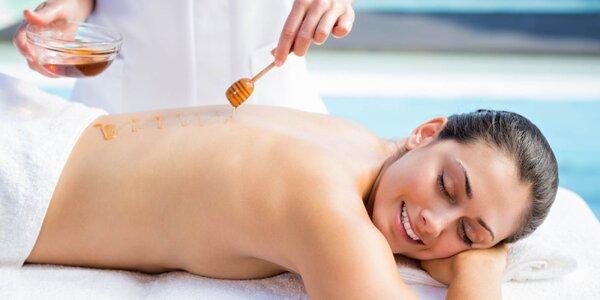 Detoxikační medová masáž zad
