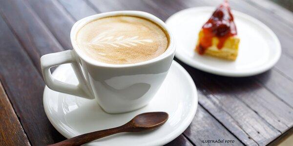 Dvě kávy a dva zákusky v příjemné kavárně Retro