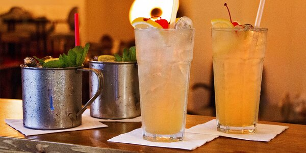 Párty s drinky: 2x Moscow Mule a 2x Tom Collins