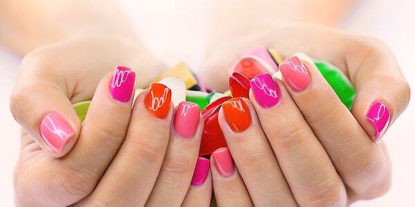 Modeláž nebo doplnění gelových nehtů