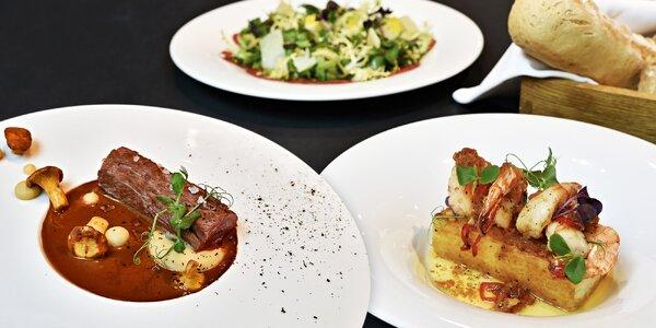 7chodové degustační menu podávané v rukavičkách