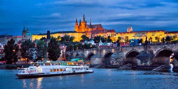 Plavba jako dárek: 2 hodiny na Vltavě i s menu