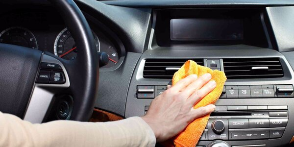Důkladné čištění interiéru vašeho vozu