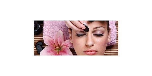 Hodinová masáž obličeje, dekoltu a šíje lávovými kameny