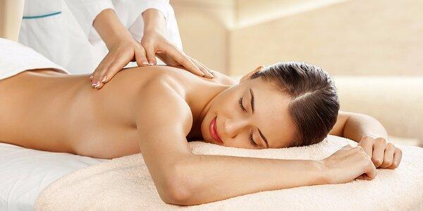 45 minut klasické relaxační masáže zad a šíje