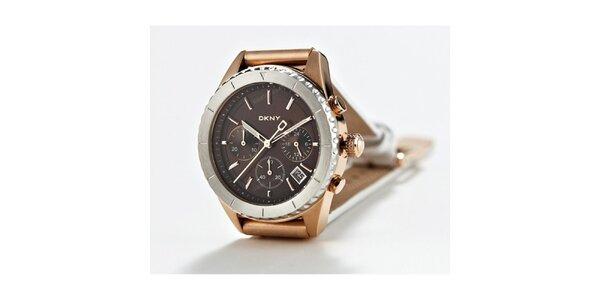 Dámské zlato-stříbrné náramkové hodinky DKNY s bílým koženým řemínkem