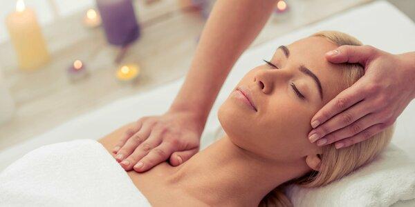 Hodinová masáž šíje a hlavy s bylinný zábalem