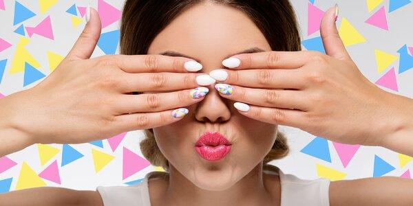 Modeláž nehtů UV gelem nebo gel-lakem