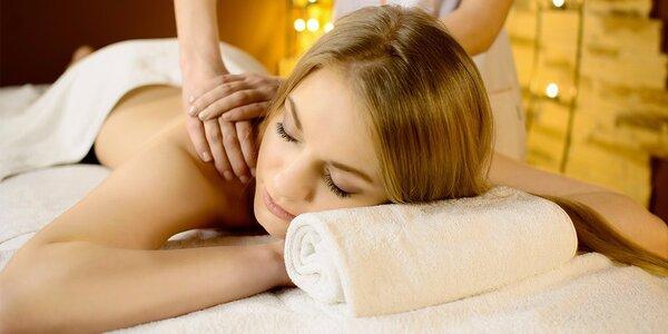 60minutová relaxační masáž zad, šíje a hlavy