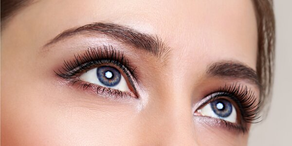 Barvení řas, obočí nebo ošetření očního okolí