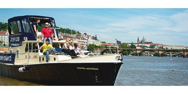 Pronájem stylové lodě na Vltavě až pro 12 osob