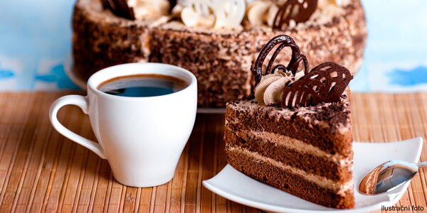 Káva a dortík dle výběru v Cafe Lounge Baru