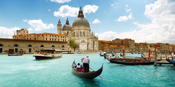 Svatý Valentýn v Benátkách mezi gondolami