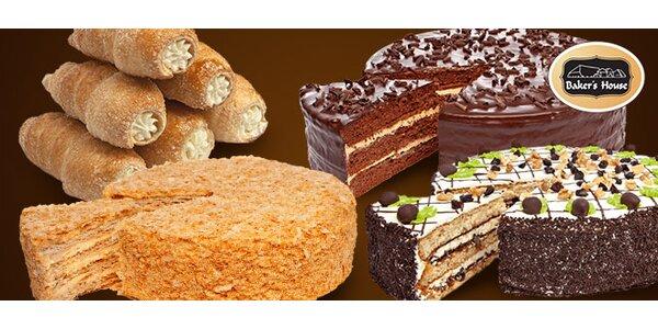 Lahodný dort nebo krabice mini kremrolí