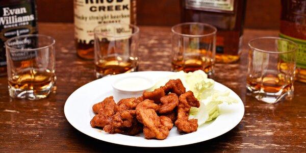 Základ americké kultury: Whisky a kuřecí proužky