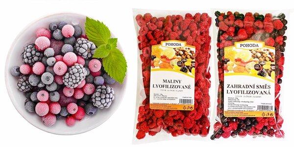 Zdravé balíčky chutného ovoce sušeného mrazem