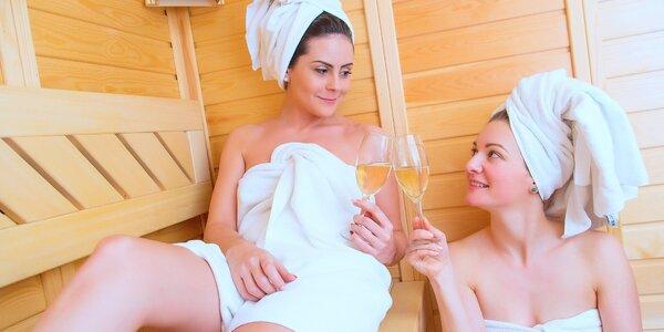 Dámské neomezené saunování s lekcí jógy