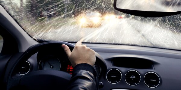 Praktická zábava: škola smyku a bezpečné jízdy