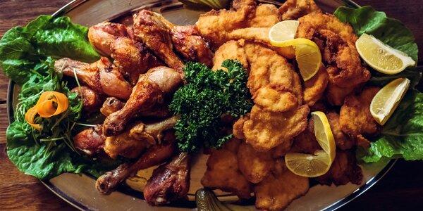 Řádná porce masa: Talíř kuřecích paliček a řízků
