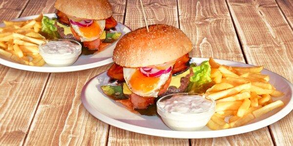 Dva šťavnaté 200g burgery s porcí hranolek