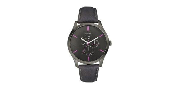 Pánské černé analogové hodinky s fialovými detaily Guess