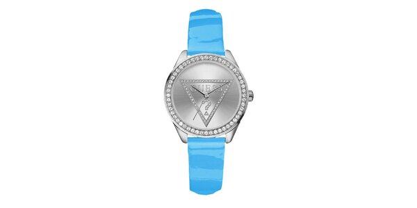 Dámské nebesky modré hodinky s krystalky Guess