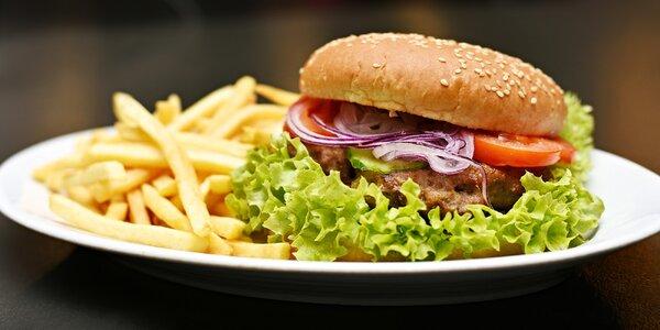 Šťavnatý burger v historickém domě v srdci Prahy