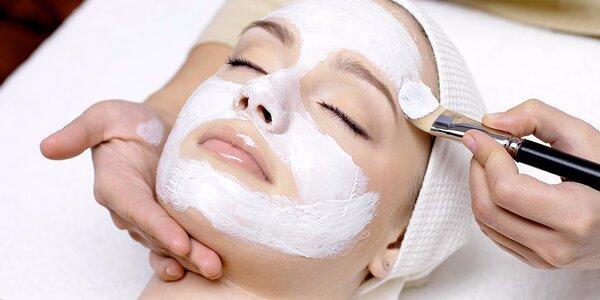 Relaxační masáž obličeje a dekoltu včetně masky