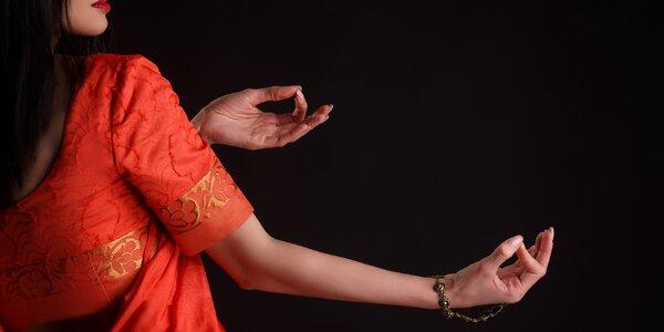 2x Bollywood či flirt dance nebo power jóga