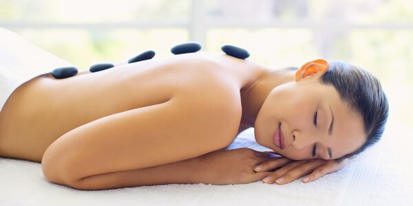 Relaxační a prohřívací masáž lávovými kameny
