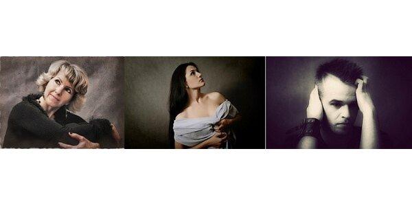 Fotografování v ateliéru - 25 fotografií, z toho 5 retušovaných a upravených