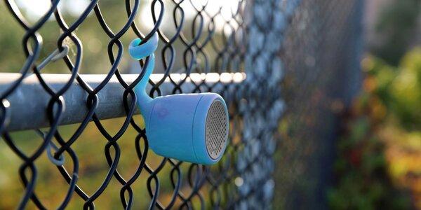 Modrý voděodolný reproduktor Polk Boom Swimmer