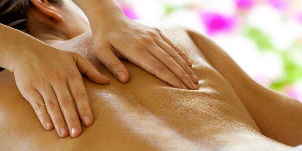 Klasická masáž těla nevidomým masérem