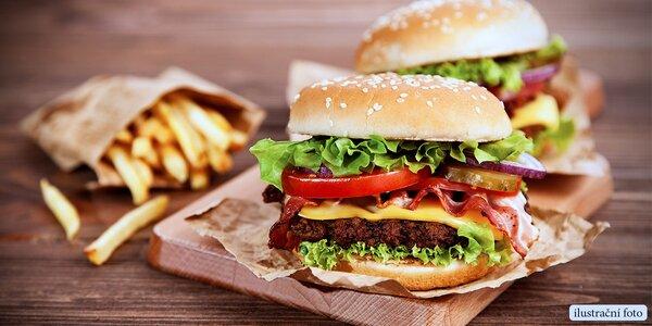Dva pořádné hovězí burgery s hranolky a majonézou