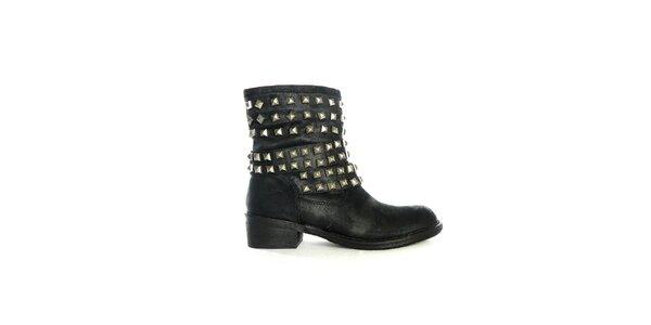 Dámské černé nízké kozačky s cvočky Shoes in the City