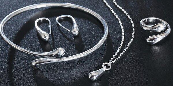 Elegantní sada šperků ve tvaru vodní kapky