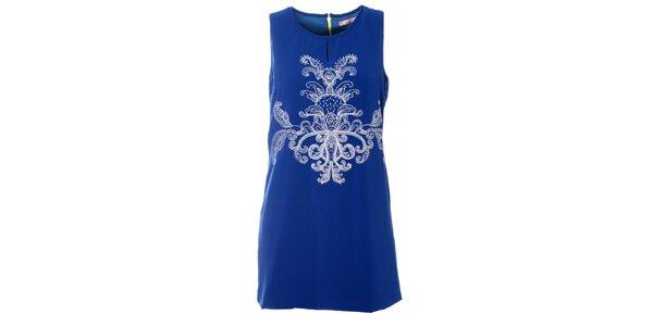 Dámské modré šaty Kzell s bílou výšivkou a barevným zipem