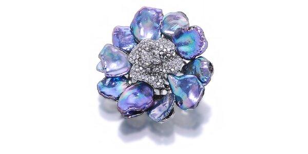 Dámská květinová brož s fialovými metalickými perlami Orchira