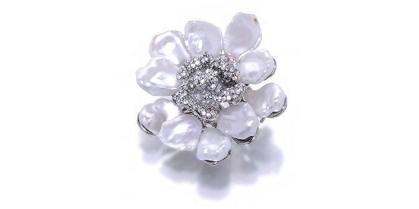 Dámská květinová brož s bílými metalickými perlami Orchira