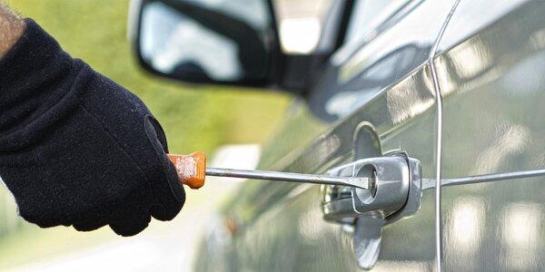 Past na zloděje: Pískování autoskel VIN kódem