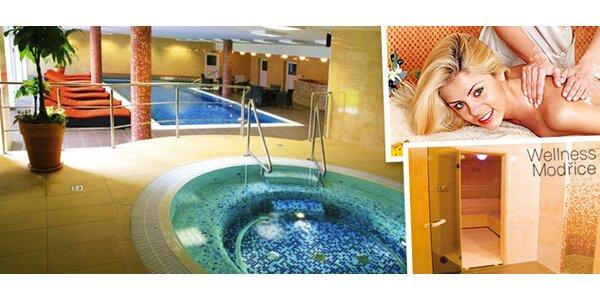 Příjemný odpočinek ve vířivce, sauně i bazénu