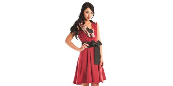 Dámské temně červené společenské šaty Jolaby s velkou černou mašlí