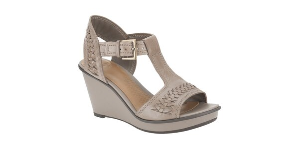 Dámské hnědé kožené sandále na klínku Clarks
