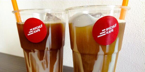 Dvě ledové lavinové kávy se salkem a mlékem