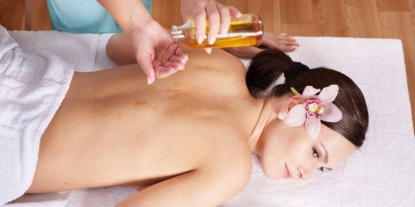 30minutová relaxační masáž zad olejem Mojito